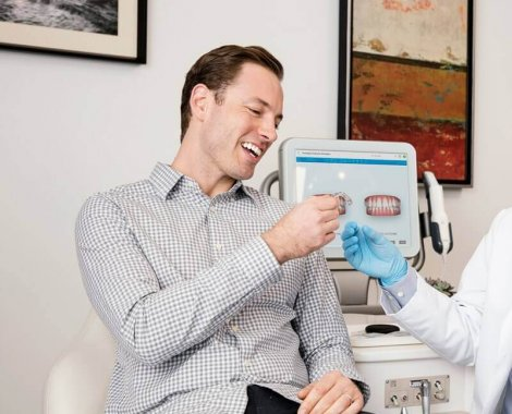 """מרפאת רופא שיניים מומחה ד""""ר אוריאל בלוך"""